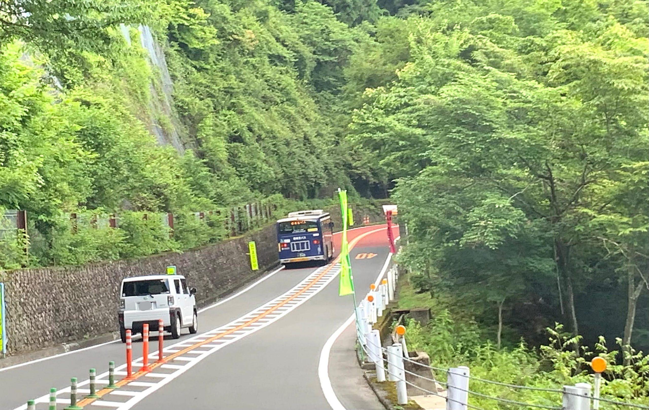 土砂崩れにより臨時で走る西東京バス